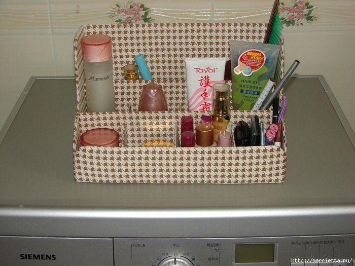 Cardboard shelf for cosmetics and toiletries