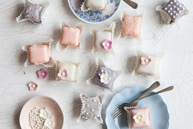 How to make pretty petit fours.