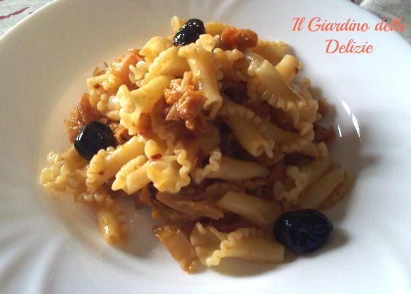 Pasta con sugo di verza e olive