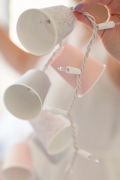 Guirnalda de Luces con Vasos Desechables