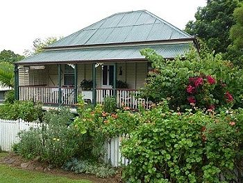 BOONAH ACCOMMODATION - SELF CONTAINED COTTAGE ACCOMMODATION