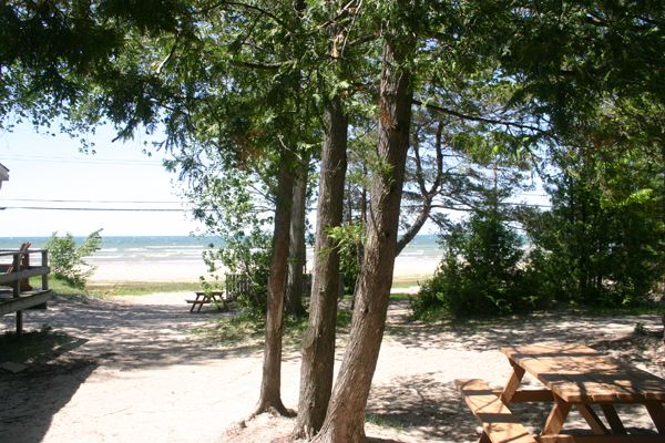 Pickwick Cottages - Sauble Beach Cottage Rentals