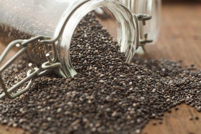Além nutritivas (contêm aminoácidos essenciais, fibras e ômega 3), também podem ser guardadas indefinidamente. Segundo Santos, as sementes de chia que você comprar hoje poderão ser consumidas daqui a dez anos.