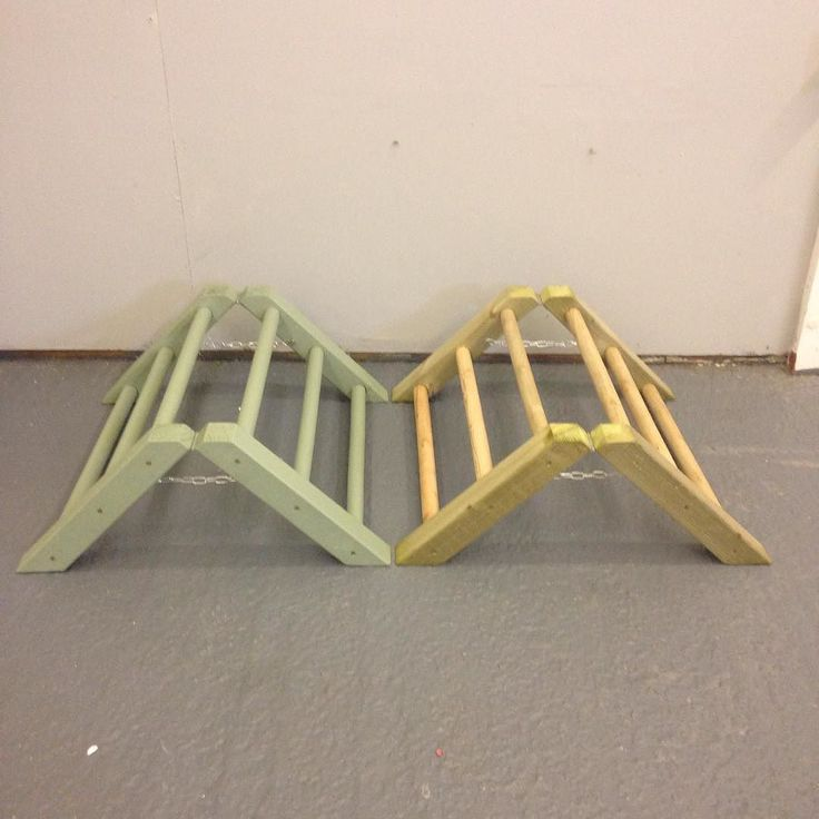 Two of our 'A Frame' hinged poultry perches dispatched this weekend to customers. These are a great perch for chicks. I will definitely have one built ready for my chicks to use. But yours today via our eBay page Natural perch 19.06 Coloured perch 21.81 FREE postage! #Loldeantimber #thegoodlife #yourchickens #urbanchickens #instachicken #igchickens #poultry #poultryperch #allotment #allotmenteer #smallholding #farmlife #growyourown #handmade #happychickens #craft #chicks #chooks #chickens…