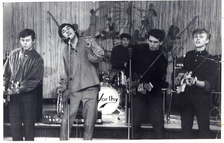 This Picture is from1966 From left. Finn basguitar, Georg singer, Jens W. drums, John L. singleguitar and Jens K. rythmguitar