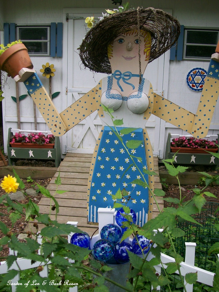 168 best scarecrow ideas images on pinterest scarecrow for Scarecrow home decorations co ltd