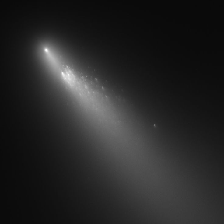 NASA's Hubble Space Telescope has provided astronomers with extraordinary views of comet 73P/Schwassmann-Wachmann 3, which was breaking apart.