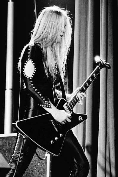 Lita Ford, 1977