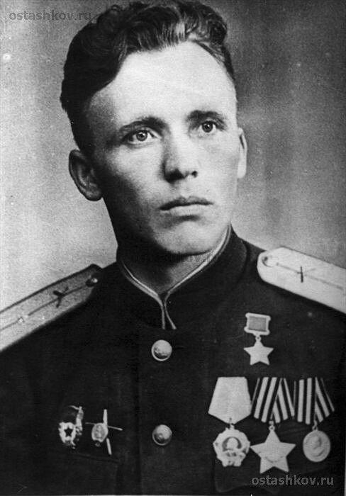 Пётр Иванович Корсаков (1919—1976) — лейтенант Советской Армии, участник Великой Отечественной войны, Герой Советского Союза (1944).