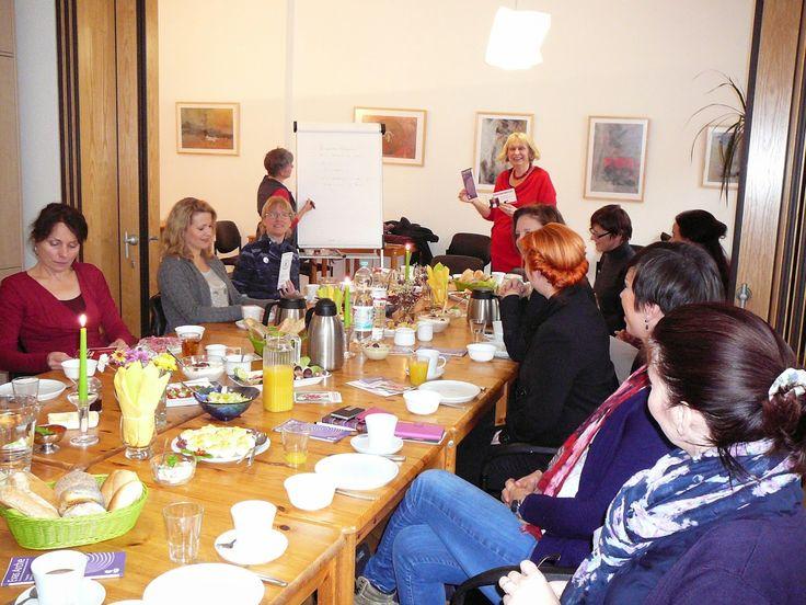 Unternehmerinnen von heute: Gründerinnen- und Unternehmerinnenfrühstück 2014 - Unternehmerinnen.org in Kooperation mit Evas Arche e. V.