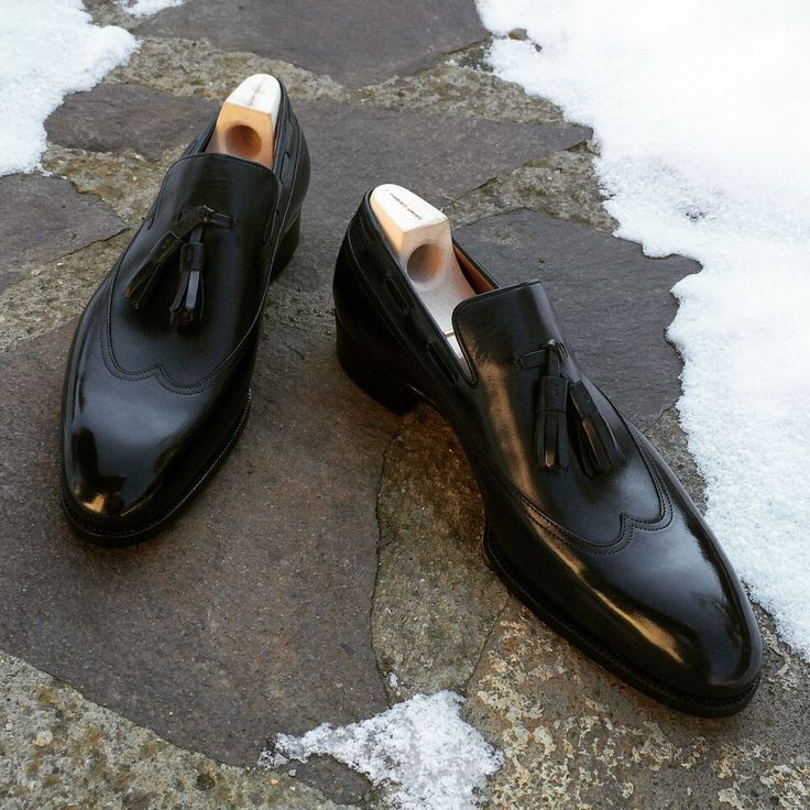 Saint Crispin's Mod. 562JT - new long wing dress tassel loafer on classic last, designed by @stras_burgo and soon available in Tokyo