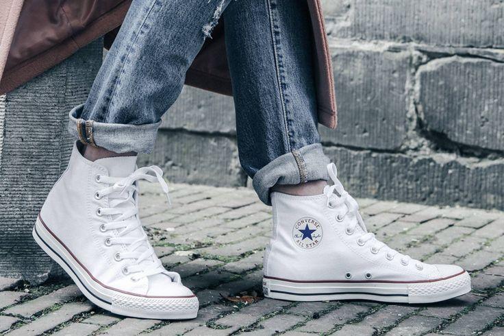 They are back! Fashion blogger @kettlebellsandpeanutbutter laat zien dat de hoge All Stars van Converse weer helemaal hip zijn.  https://www.sooco.nl/converse-chuck-taylor-all-star-hi-witte-hoge-sneakers-25687.html