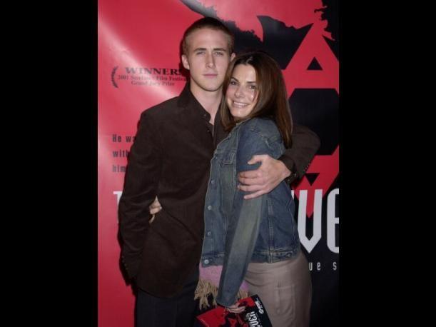 Sandra Bullock estuvo con Ryan Gosling, 16 años menor que ella.