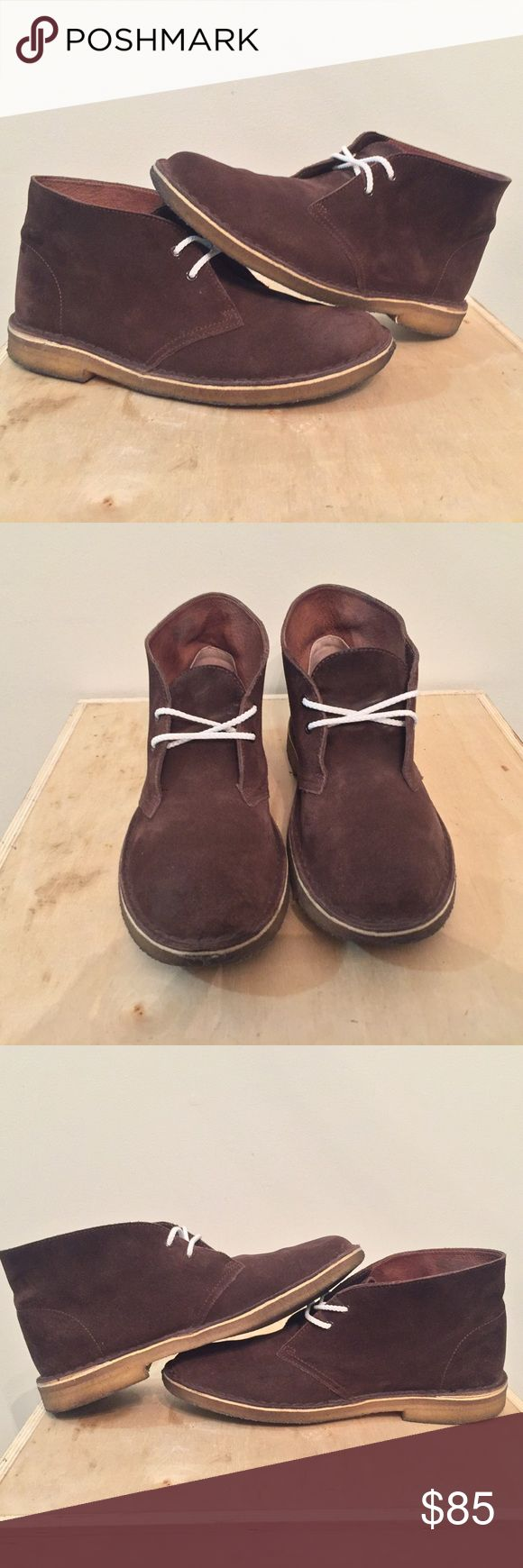 Mens Clarks Originals Dark Brown Desert boot Mens Clarks Originals Dark Brown Gum Sole Desert Boot  Size 9.5  Really good condition!Suede is still in good condition,Bottoms just have some wear!  No Box and comes with replacement shoe laces Clarks Shoes Boots