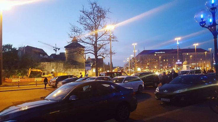 Nicht die schönste oder beste Stadt aber ich liebe sie trotzdem :D  #nürnbergcity #nürnberg #hauptbahnhof #meinestadt #hässlu #autos #likeback #like4like #likeforlike #likeforfollow #follow4follow http://unirazzi.com/ipost/1508331081089231232/?code=BTuqyB0ASmA
