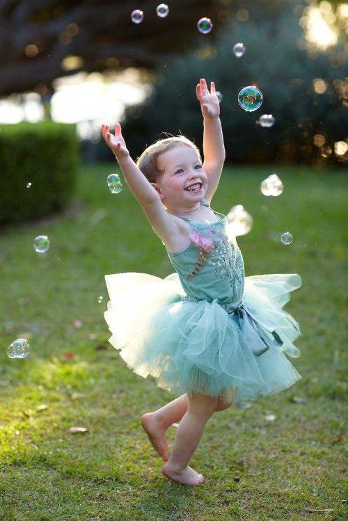 Dancing in bubbles.