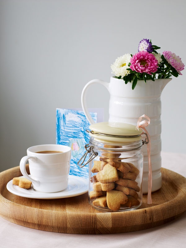 You can use this lovely Jamie at Home jug (£19) from our ever-popular Jersey range for water, wine or flowers!