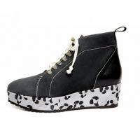 Terhi Pölkki AW13 collection: Climber boot   #terhipölkki #fashionflashfinland #fashion #fashiondesigner #designer #aw13 #collection #Finland #Helsinki #shoedesigner