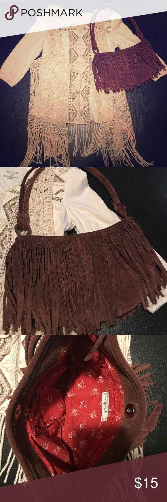 American Eagle Outfitters Handbag Like New! American Eagle Outfitters fringe handbag. Very clean inside. No rips or tears in lining. No stains. American Eagle Outfitters Bags Shoulder Bags