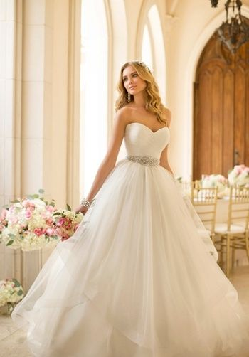 Stunning princess tulle wedding gown with sweetheart neckline, ruched back, and diamante embellishments // 5859 from Stella York