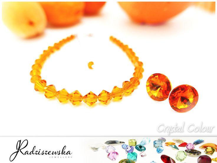 Biżuteria Jolanta Radziszewska jest sprawnie funkcjonującą i dynamicznie rozwijającą się firmą, której głównym zadaniem jest projektownie i produkcja biżuterii ślubnej, okazjonalnej oraz klasycznej.