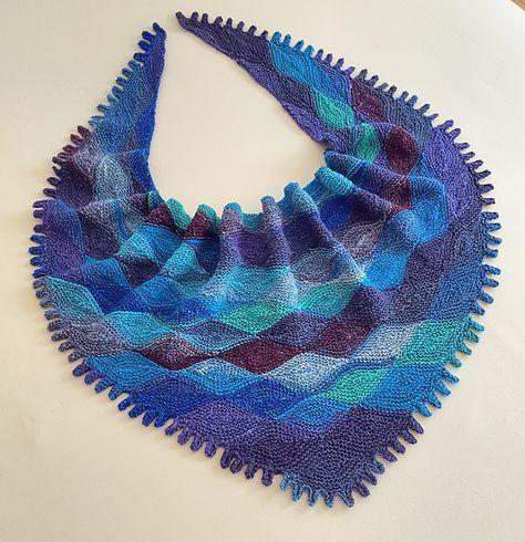 Papagenas tørklæde. Modulstrikket tørklæde, som ikke er så svært, når man har forstået opbygningen.