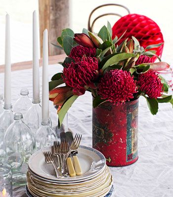 red flower christmas Table setting