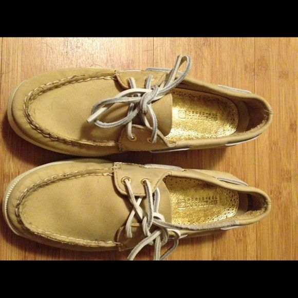 Sperry Boat Shoes Cute beige/tan leather boat shoes. Maybe worn once. Not broken in. Basically new. Sperry Top-Sider Shoes Flats & Loafers