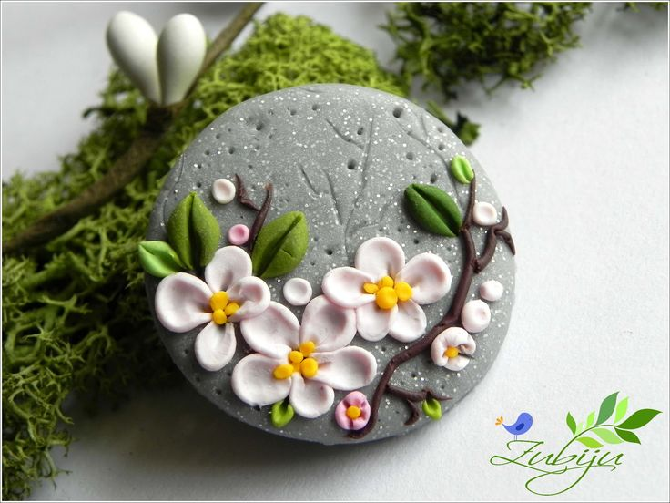 polymer clay broch made by Zubiju