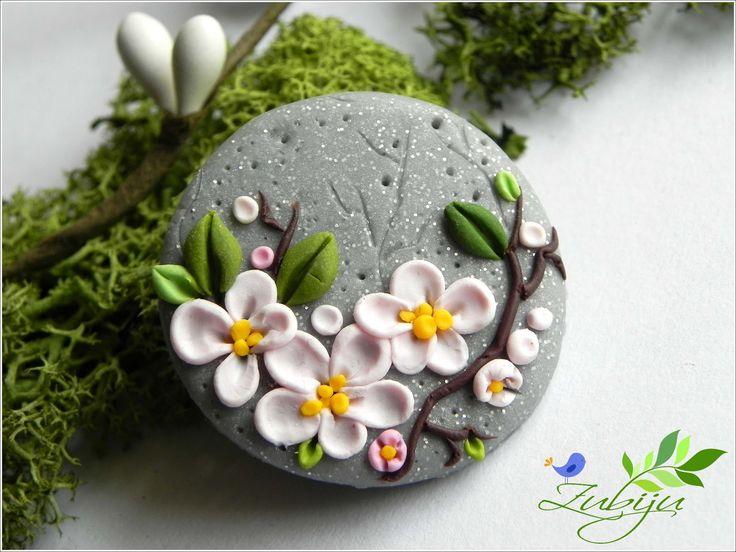 polymer clay broch made by Zubiju