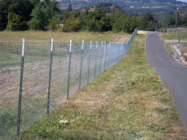 Wire Fence With T Posts And Lodge Poles Horse Fence