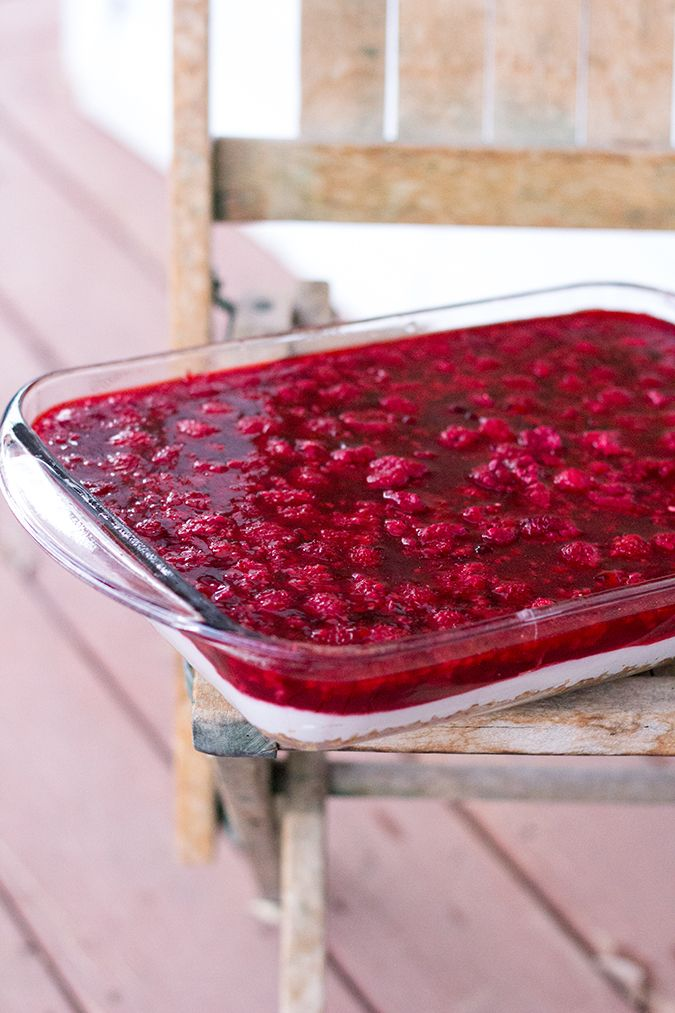 Raspberry pretzel jello salad, good side dishes, jello, Thanksgiving side dish ideas, Christmas eve dinner, desserts, recipes