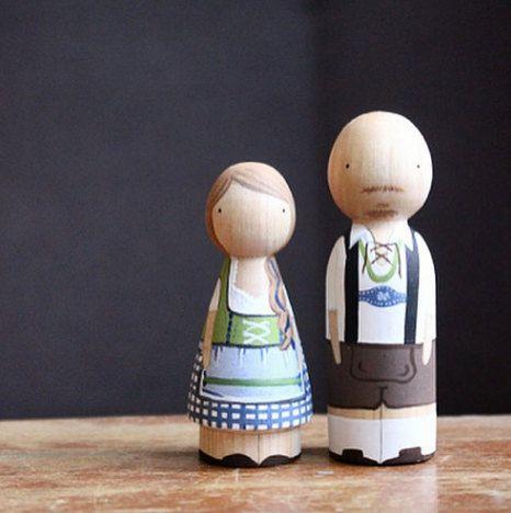 Duitse taart Toppers / / Themed gepersonaliseerd houten Peg poppen / / 5 jaar verjaardag hout Gift Goose vet - houten poppen Fair Trade