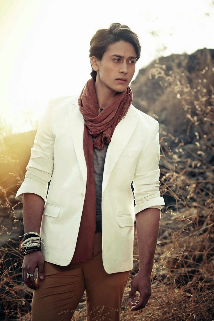Tiger Shroff's good looking stills