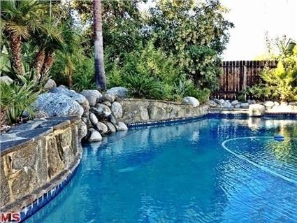 5525 Parkmor Rd, Calabasas, CA 91302 U2014 Fabulous Malibu Canyon Traditional!  Two Story