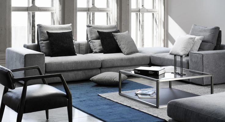 Maison Corbeil vous offre ce canapé modulaire gris fait au Québec parfait pour votre décor contemporain