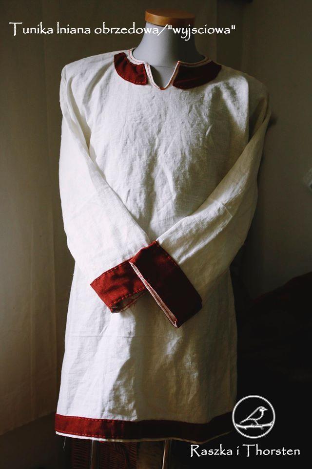 Linen ceremonial tunic with woolen hems