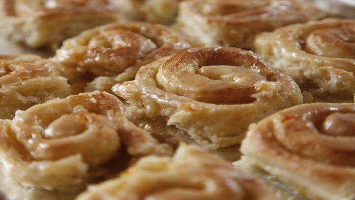 Guarda questa ricetta - Girelle dolci all'arancia – di Ree Drummond e altri gustosi piatti su Food Network