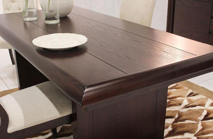 Σετ τραπεζαρίας που αποτελείται από:Τραπέζι κατασκευασμένο από φυσικό ξύλο καρυδιάς διαστάσεων 2,00χ1,00 με μία προέκταση 45cm. Στη μέση της επιφάνειάς του διακοσμήται από ένα φιλέτο φυσικού ξύλου δρυ.Μπουφές κατασκευασμένος από φυσικό ξύλο καρυδιάς και δρυ διαστάσεων 1,95χ0,50χ0,95 που συνοδεύεται από δύο καθρέπτες κατασκευασμένους από φυσικό ξύλο δρυ συνολικών διαστάσεων 1,85χ1,00.Γωνιακή βιτρίνα κατασκευασμένη από φυσικό ξύλο καρυδιάς και δρυ διαστάσεων 1,90χ0,80χ0,80Οι μηχανισμοί των…