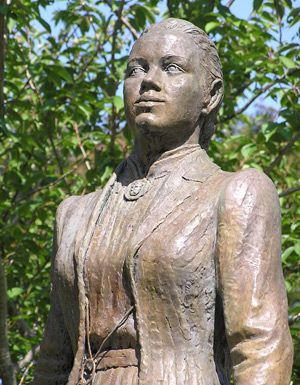 Literary Grannies from A to Z This statue of Katharine Lee Bates is in Cape Cod (at a younger age) #atozchallenge