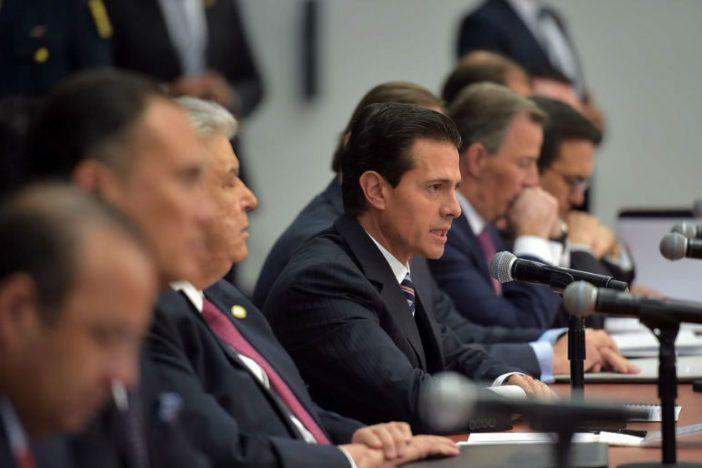 Reedita Peña Nieto los pactos de las crisis; firman acuerdo para fortalecer la economía