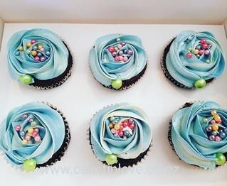 Cute chocolate cupcakes with Italian meringue buttercream and fun sprinkles  #cupcakes   #birthdaygirl   #chocolatecake   #cakesnorthland   #cakeswhangarei   #caketinlove