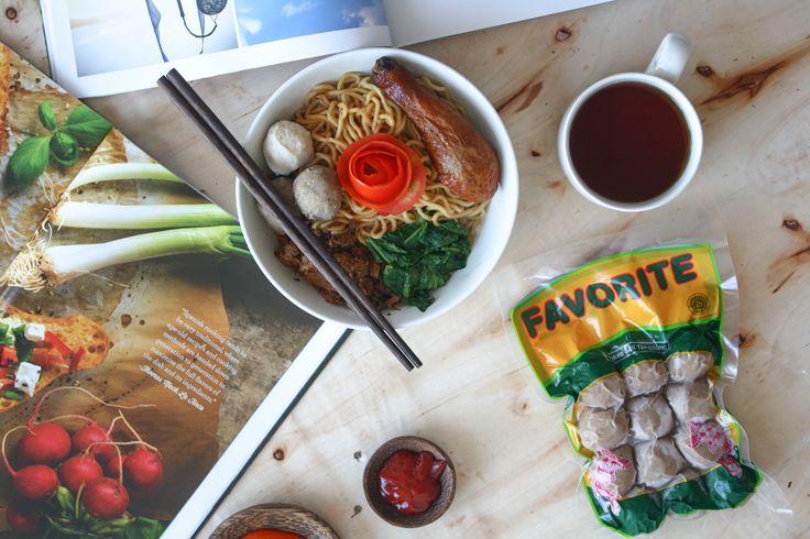 Favorite Chicken Noodle with Meatball. Please check our instagram : https://www.instagram.com/favorite.meat.processing/  Photographer link : https://www.instagram.com/riodwisandybrandingstudio/  #food #noodle #asian #favorite #meatprocessing #bali #indonesia