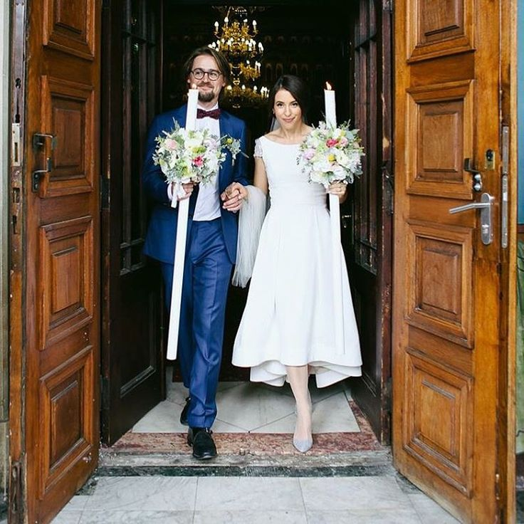 Love is the master key that opens the gates to happiness. Sweet Delia is wearing Parlor bridal dress on her big day.