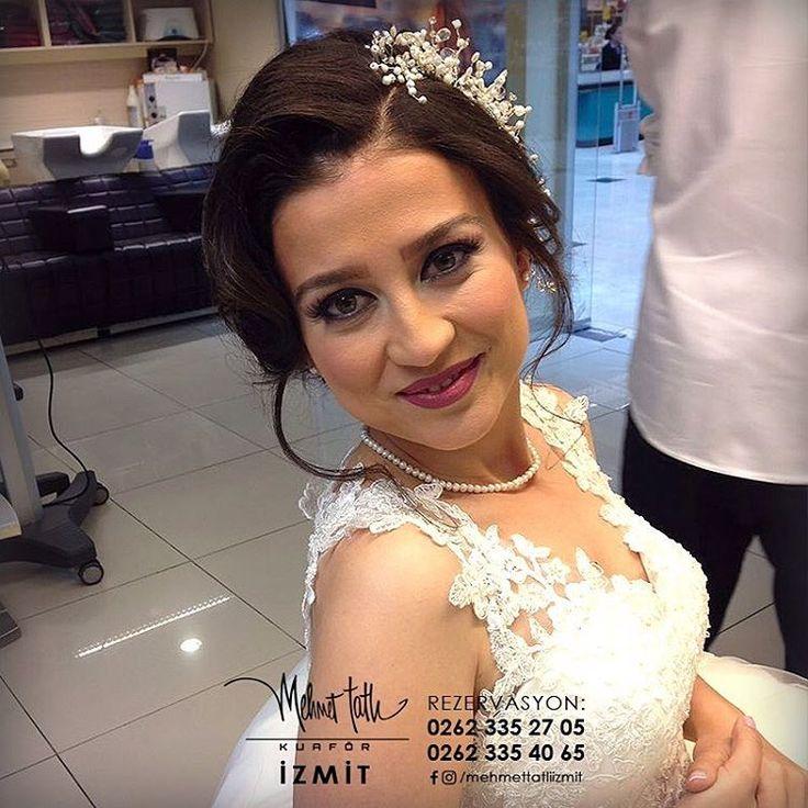 Dünyanın en seçkin saç bakım markalarını, İzmit'in tek prestijli markası Mehmet Tatlı' da bulabilirsiniz Bilgi ve Rezervasyon 0262 335 27 05 - 0262 335 40 65 #hair #beauty #saç #makyaj #mehmettatlıizmit #mehmettatlı #gelinsaçı #cool #blonde #sarışın #sarısaç #saçbakım #kerastase #haircare #weddinghair http://turkrazzi.com/ipost/1520260951700892416/?code=BUZDUfoB2sA