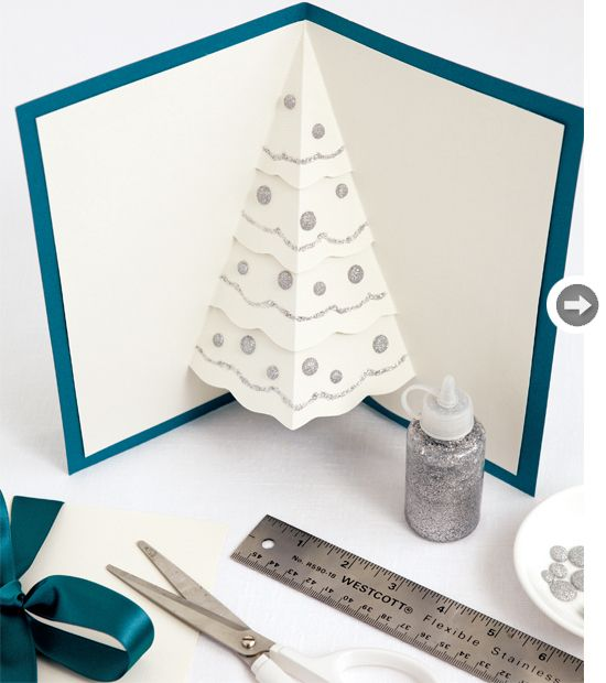 Pop-Up Christmas Tree Cards - Get the instructions and free printable http://www.styleathome.com/how-to/simple-projects/diy-holiday-cards/a/38279/2 | Awesome DIY Holiday Card hack