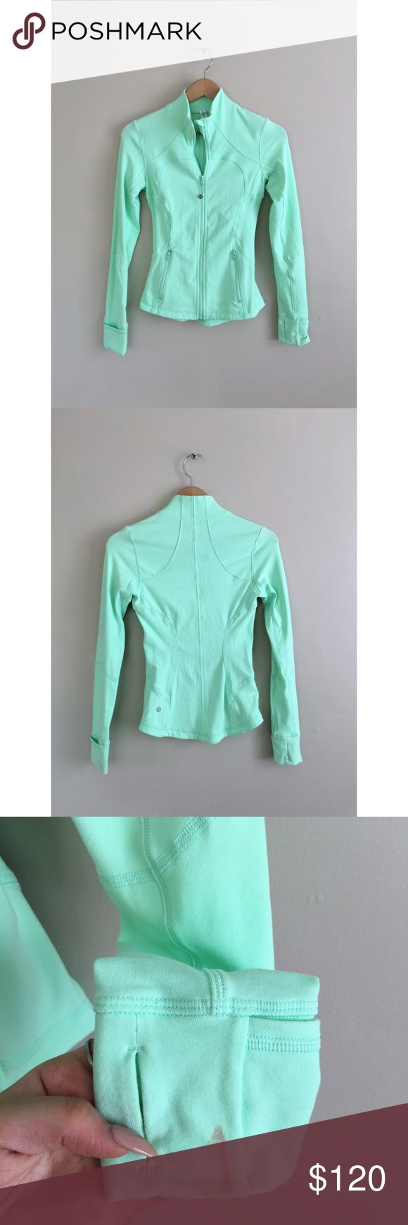 Lululemon mint seafoam define forme jacket blue 2 (❁´◡`❁) ωḙℓḉ✺Պḙ (❁´◡`❁)   Description:  •Gorgeous minty breezy seafoam color •Thumb holes •Very sexy fitted style    ❤️   Brand: Lululemon   Size: 2   Condition: Excellent preowned shape with a small discoloration mark on the arm. Please view photos.   (please refer to all photos Don't hesitate to ask ANY and ALL question before Bidding/Buying)  Ask about combined shipping and discounts! lululemon athletica Jackets & Coats