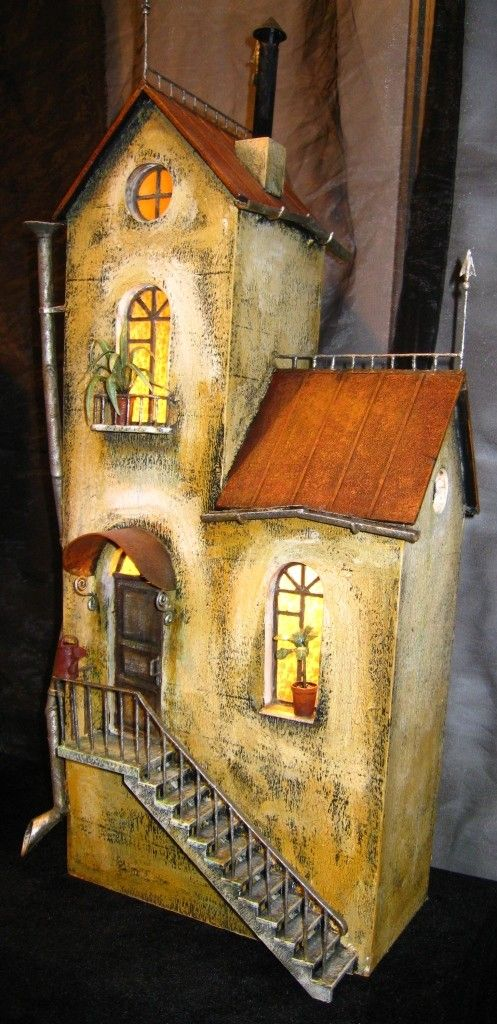 Russian dollhouse .... Wonder what the scale of this one is?