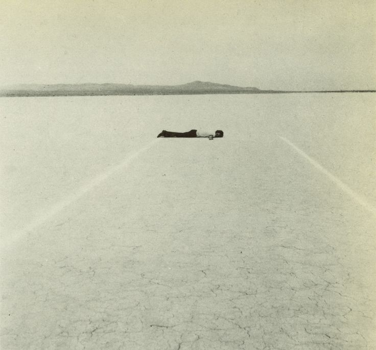 // walter de maria, 1968, mile long drawing (two chalk lines - mojave desert)