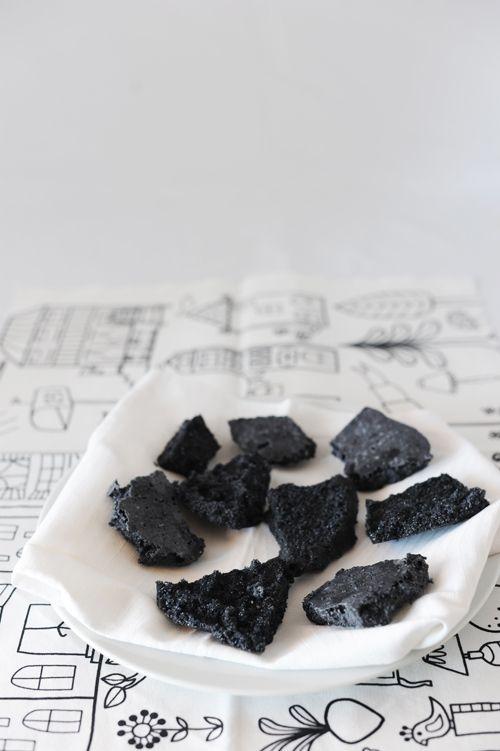 Il Carbone di Zucchero della Befana (VideoRicetta) – La Cucina Psicola(va)bile di Iaia & Maghetta Streghetta